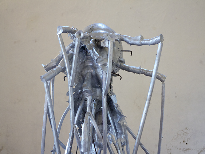 ALUMINÉ, 2013, aluminium, inox, socle en bois, 164 X 52 X 52 cm.